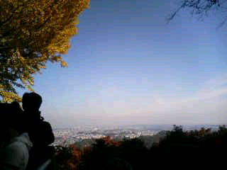 連休中日の高尾山