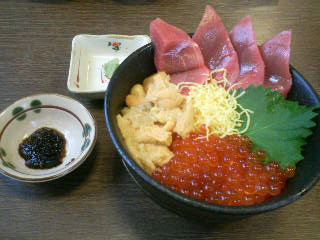 札幌場外市場で朝ご飯