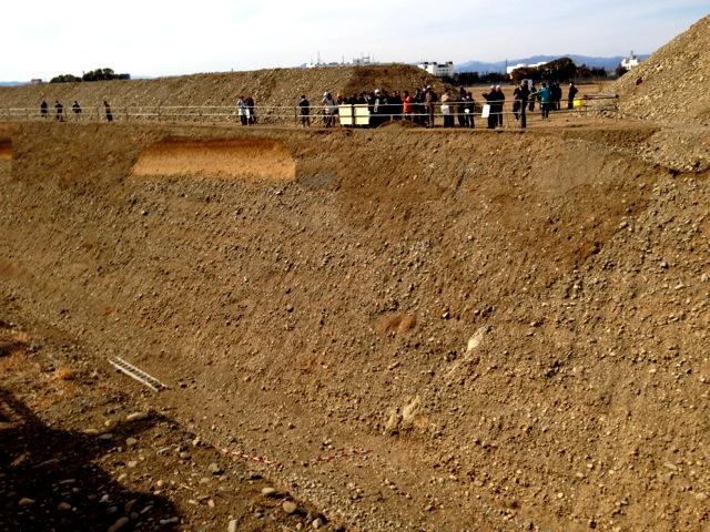 立川断層帯トレンチ調査 一般公開